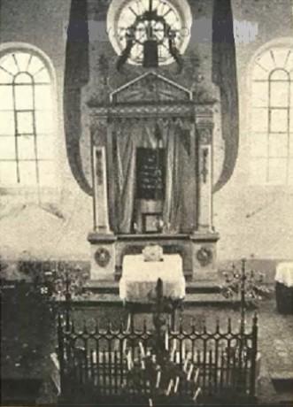 http://www.historicke-foto.estranky.cz/img/mid/182/mutenin-synagoga-mizbeach--oltar-.jpg